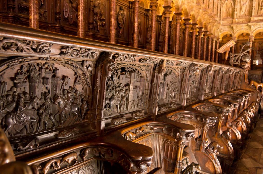 Coro de la catedral de Toledo, con los grabados de la Guerra de Granada