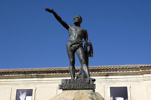 Famosa estatua de Viriato en Zamora, en la plaza con el mismo nombre