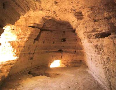 Interior de las cuevas de Qumram